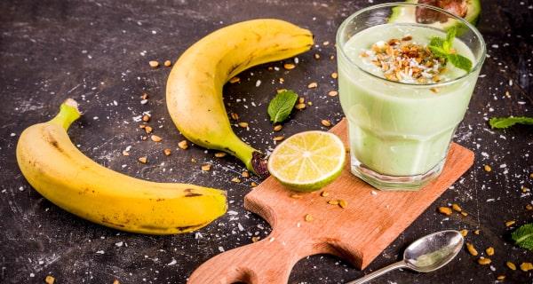Koktajl z mlekiem kokosowym i owocami - przepis